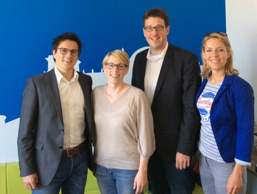 Gemeinsam mit Alexander Vogt, medienpolitischer Sprecher der SPD-Landtagsfraktion (li.), und seiner Mitarbeiterin Verena Schmidt-Völlmecke (re.) bei Eva-Maria Kirschsieper, bei Facebook in Deutschland verantwortlich für den Bereich Politik.