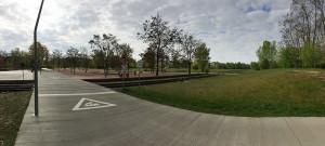 Ab und zu fahren auch (Bummel-) Züge durch den Park am Gleisdreieck - diese vertragen sich aber gut mit Radfahrern und Spaziergängern.