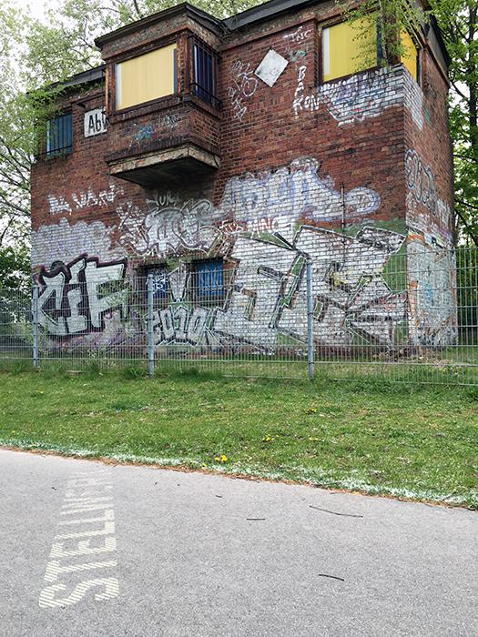 B rger kamp lintforts schaut auf diesen park ren for Boden mit schrift
